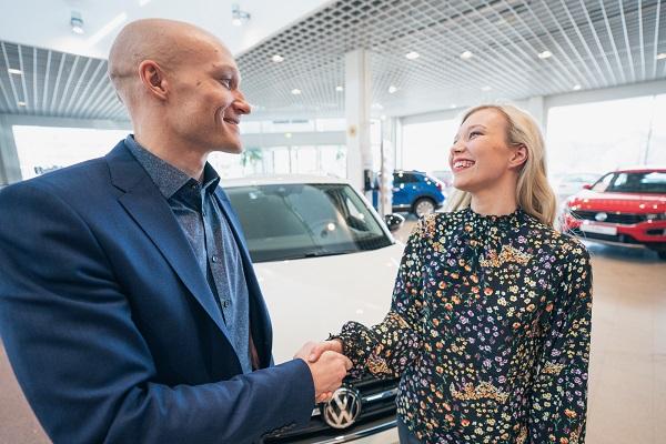 iloinen_autokauppa